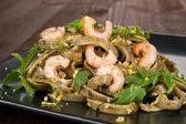 Lahodné krevety těstoviny. — Stock fotografie