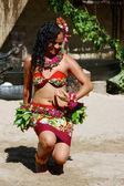 Woman performs traditional Meke dance — Stock Photo