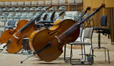 Contrabass on stage in front of an empty hall — Foto de Stock
