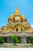 Side view gold stupa relegion of thailand — Stock Photo