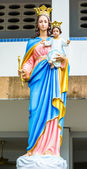 Front view Blessed Virgin Mary statue — Stock Photo