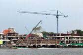 Riverside building construction — 图库照片