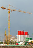 Crane and cement tower equipment — Stockfoto