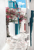 Traditional greek alley on Mykonos island, Greece — Stock Photo
