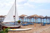 在 halkidik 半岛希腊传统的捕鱼船 — 图库照片