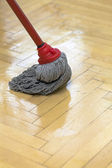 Parquet cleaning with mop — 图库照片