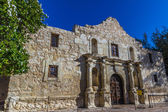 Interesting Perspective of the Historic Alamo Fortress, San Antonio, Texas. — Stock Photo