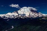Wide Angle View of Mount Rainier, Washington. — Stock Photo