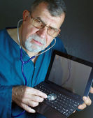 Diagnostic Doctor with Laptop — Stock Photo