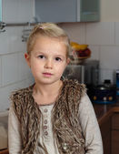 Child,girl in the kitchen — Stock Photo