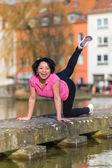 Woman urban sport exercising — Stockfoto
