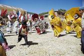 Aymara group dance traditional mask dance at the festival Morenada on Isla del Sol, Lake Titicaca, Bolivia. — Stock Photo