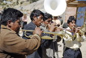 Aymara musicians play their trumpets at the festival Morenada on Isla del Sol, Lake Titicaca, Bolivia. — Stock Photo