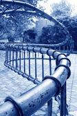 Spirala sprzęt fitness metalu w parku drzwi kamienia, shijiazhu — Zdjęcie stockowe
