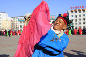 People wear colorful clothes, yangko dance performances in the s — Stockfoto