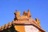 L'avant-toit de bâtiment ancien dans les tombes royales orientales de la qin — Photo