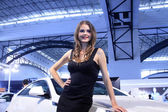Beautiful Russia female model in a car exhibition, China — Foto Stock