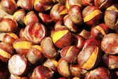 Pile of Chinese chestnut, delicious snacks — Stock Photo