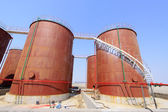 Storage tanks in a chemical plant — 图库照片