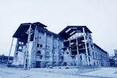 Harap bir fabrika binasında — Stok fotoğraf