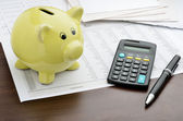 Calculating savings — Stockfoto