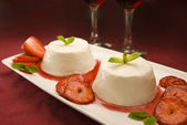 Italian panna cotta dessert — Stock Photo