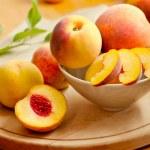Fresh peaches — Stock Photo
