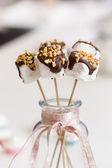 Marshmallows na tyčce — Stock fotografie