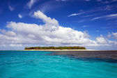 Piccola isola tropicale — Foto Stock