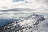 Snow covered mountain ridge — Stock Photo