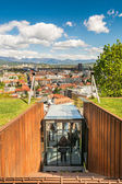 Funicular descending with panoramic view of a city — Foto Stock