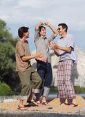 Friends having fun at the beach — Foto Stock