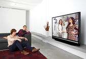 Watching television together l — Stock Photo
