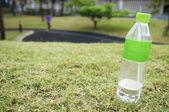 Питьевая вода после тренировки — Стоковое фото