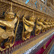 Golden Garuda at Wat Phra Kaew — Stock Photo