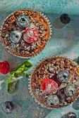 Сupcakes with berries — 图库照片
