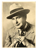 Vintage photo of the actor and his autograph — Stock Photo
