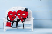 Two in love hearts on a bench. — 图库照片