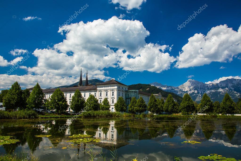 Admont Austria  city photos gallery : Monasterio admont Austria — Foto de stock © Stockr #39022333