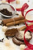 Gewürze mit zucker und keksen — Stockfoto