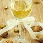 Christmas White Wine Arrangement — Stock Photo