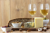 White Wine and cheese — Stok fotoğraf
