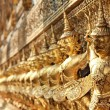 Gold garuda statues at Wat Phra Kaew temple.  — Stock Photo