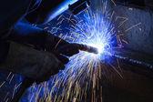 Welder steel structure in workshop — Foto de Stock