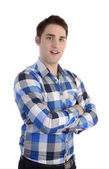 若い smilling と組んだ腕青いシャツを着て男 — ストック写真