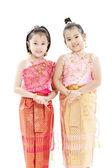 Porträtt av två attraktiva små thailändska flickor — Stockfoto