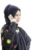 美しいイスラム教徒ビジネスの女性を呼び出す — ストック写真
