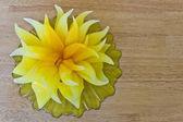 świeczka w kształcie kwiatu — Zdjęcie stockowe