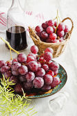 Ripe grapes and wine — Stock Photo