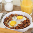Fried Eggs and Potatoes — Stock Photo #39693375
